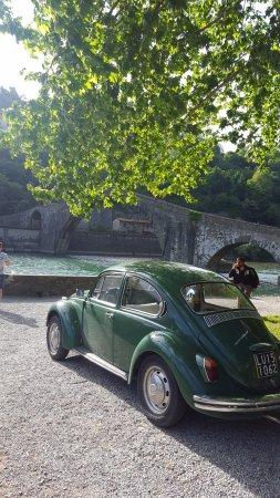 Borgo a Mozzano, Italy: А реальности мост выглядит гораздо лучше, чем на всех фото