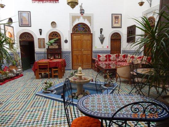 Dar Tahrya: Courtyard