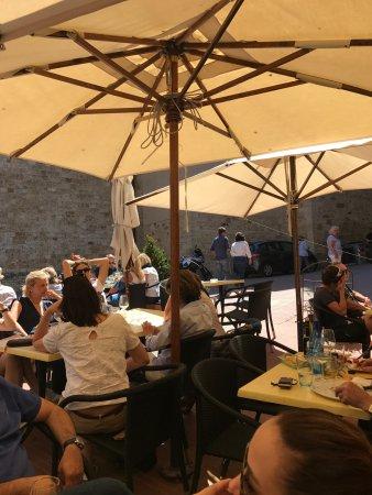 Castel San Gimignano, Italy: Guzel