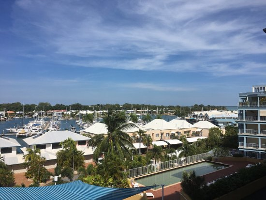 Marina View Serviced Apartments