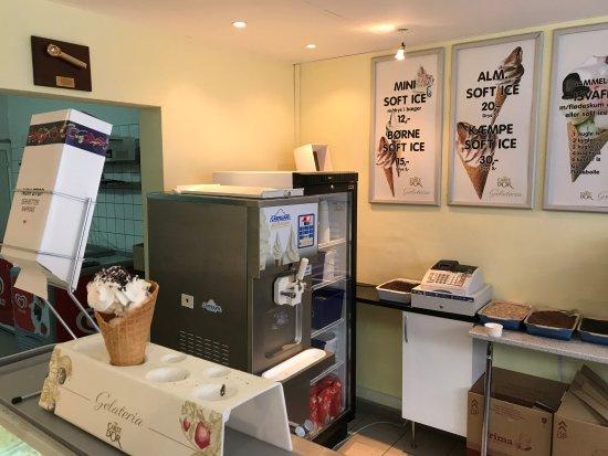 Ringsted, Denmark: Her serveres de færdige isvafler