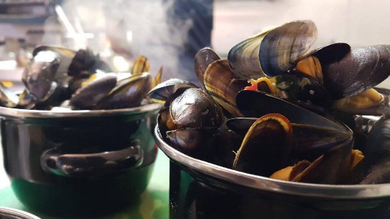 Tramore, Irland: STEAMED MUSSELS