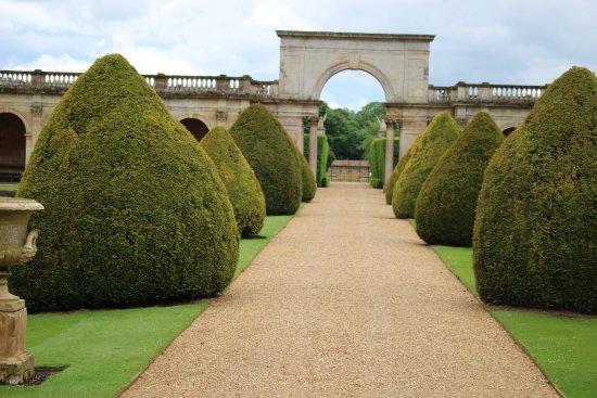 Italianate garden at Castle Ashby