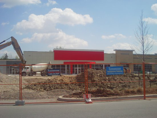 brand new shoppers drug mart coming soon - Picture of