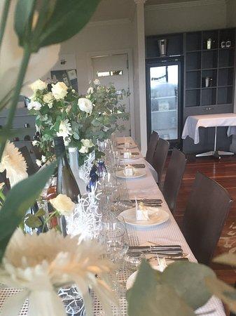 McVitty Grove Cafe & Restaurant: Dinner service