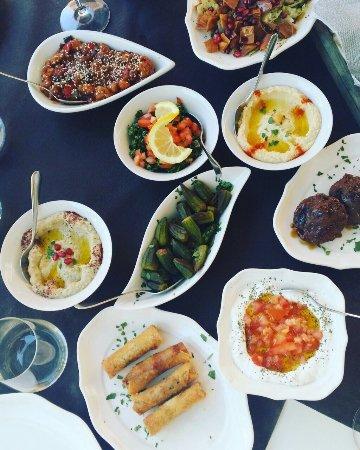 Ristorante Lyr In Milano Con Cucina Libanese