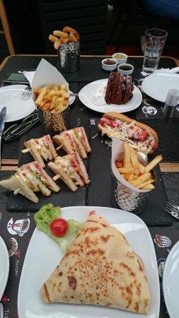 Glyfada, Hellas: Αλμυρές και γλυκιές γεύσεις