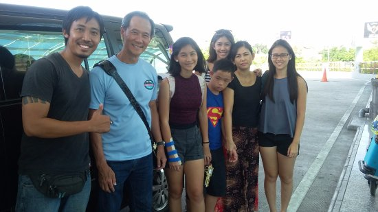 Kerobokan, Indonesia: Dekde and Mr. Wang Kok Wing and family from Singapore - December 2015