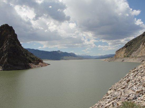 Buffalo Bill Dam: Reservoir made by dam