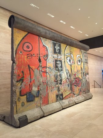 The 520 Madison Avenue Berlin Wall New York City 2019