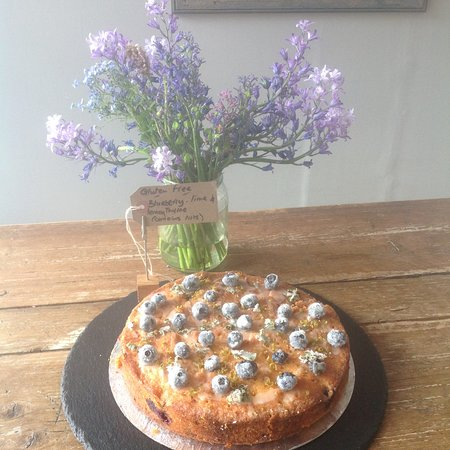 Ditchling, UK: Gluten free Blueberry, lime & lemon thyme cake ..... So popular!