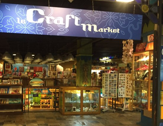Le Caudan Waterfront: Craft Market