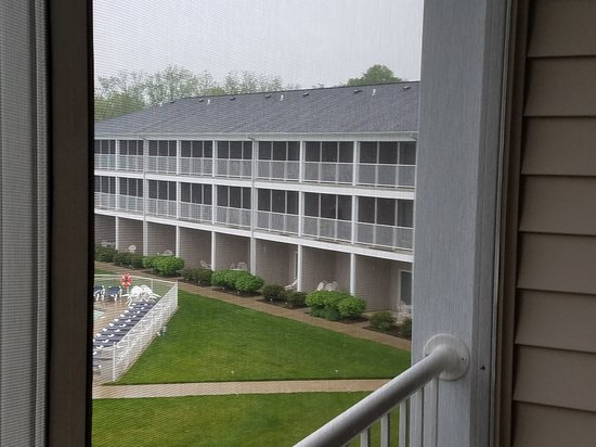 Put-in-Bay Resort Hotel and Conference Center: Relaxing morning
