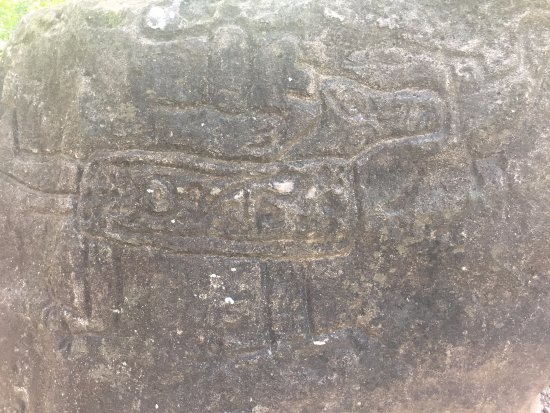 La Cruz, Costa Rica: Petroglyphs along the trail