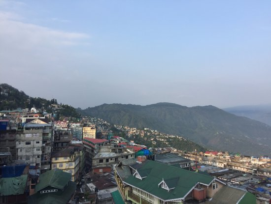 Hotel Sonar Bangla - Darjeeling: On a clear day, you can view Kanchenjunga Peaks