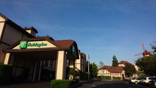 Selma, CA: ホテル外観