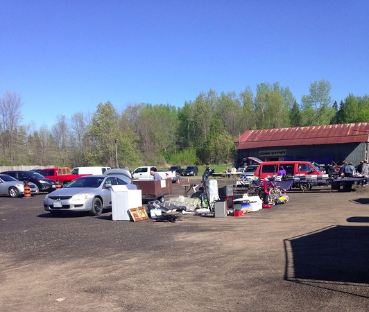 Lots of potential for warm weather vendors  - Picture of