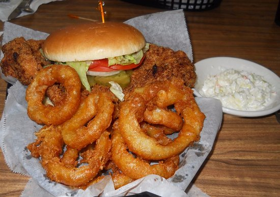 Cloverdale, IN: Tenderloin and onion rings