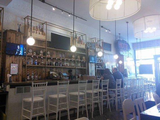 Wapakoneta, OH: Bar area