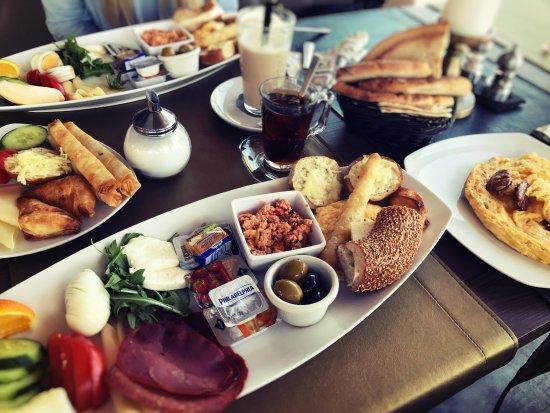 Sonntagsfrühstück 1250 Pp Inkl Schwarzem Tee All You Can