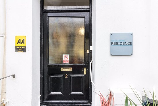 The P&M Paignton Residence: The Entrance