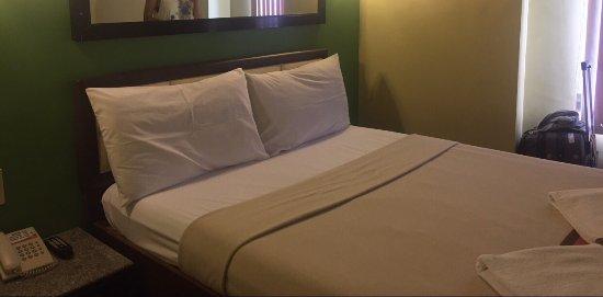 Express Inn - Mactan Hotel: photo0.jpg