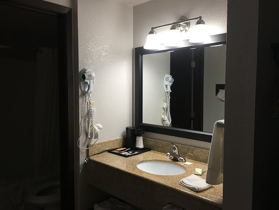 Walnut, IA: Bathroom vanity area