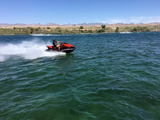 Harrah's Laughlin: Many were enjoying the river with various water sports.