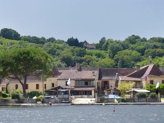 Mauzac-et-Grand-Castang, France: Vue du gite depuis la Dordogne