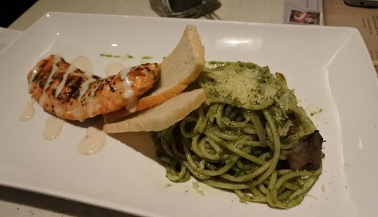 Tamani Kafe: Actual salmon pesto that was served.