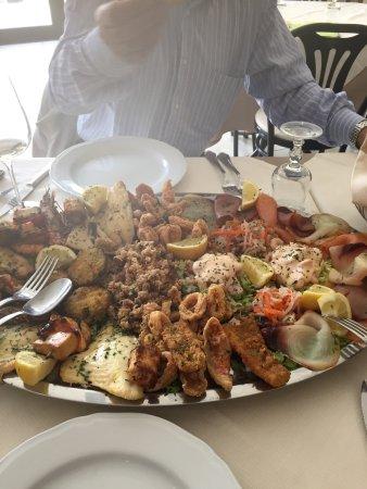 Oliveri, Itália: Ottimo antipasto misto!