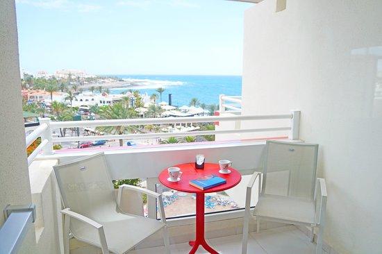 Hotel Troya: Terraza Habitación Club Alexandre