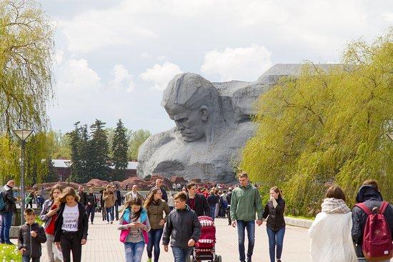 Мемориальный комплекс Брестская крепость-герой: Монумент