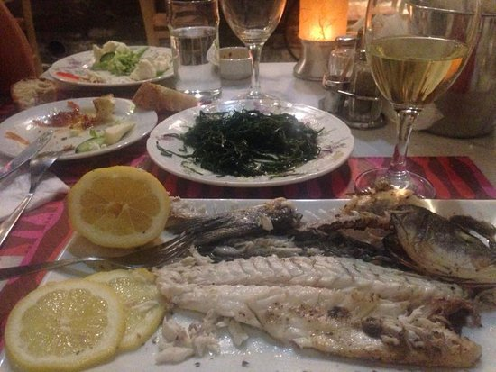 Batsi, Yunanistan: Fresh fish(by order)
