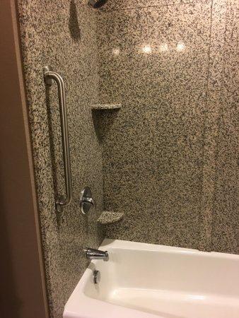 Genial Best Western Plus Carousel Inn U0026 Suites: Granite Shower Surround