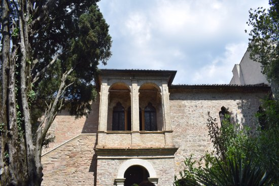 Arqua Petrarca, İtalya: Bello.