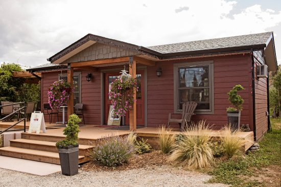Summerland, Kanada: Welcome to our tasting room!