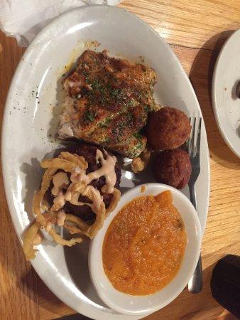 Hyman's Seafood : photo1.jpg