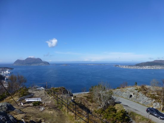 Fjellstua Viewpoint : View from the Knife flag