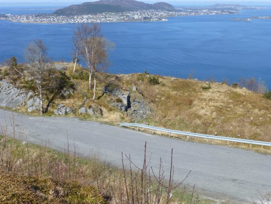 Fjellstua Viewpoint : View north over the German Bunkers