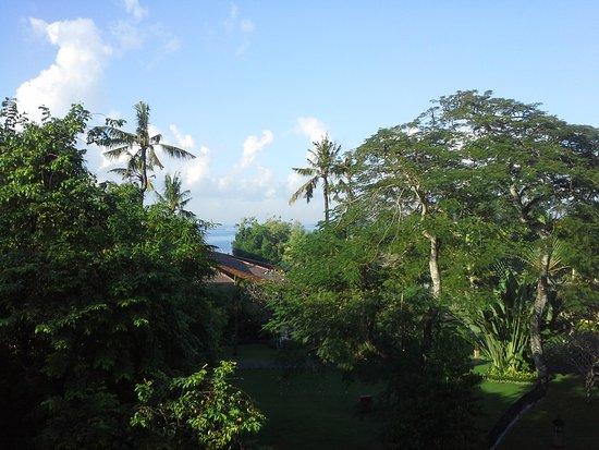 Prama Sanur Beach Bali: Zeezicht vanaf het balkon, 4de verdieping.
