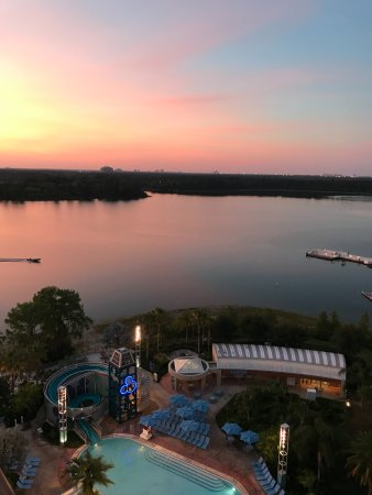 Bay Lake Tower at Disney's Contemporary Resort Resmi