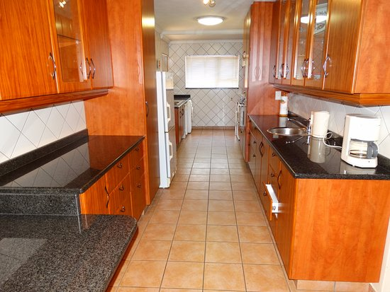 Centurion, South Africa: Kitchen for our Self-catering apartment/ room
