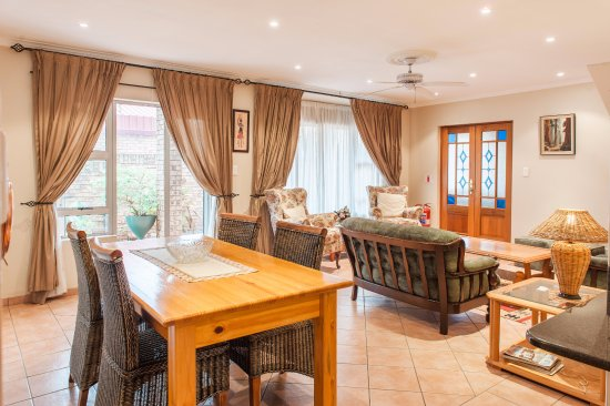 Centurion, Sudafrica: The Lounge area for our self-catering apartment