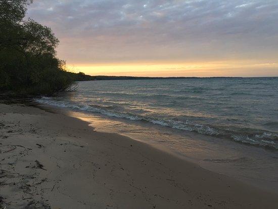 Anchor Inn on the Bay: photo1.jpg