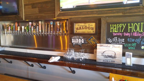 Norco, Californien: The bar -- good selection of craft and other beers