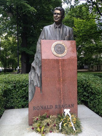 Ronald Reagan Monument