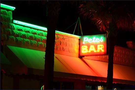 Neptune Beach, Flórida: The famous Pete's Bar
