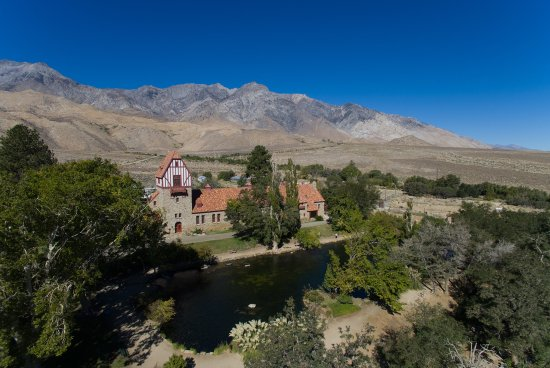 Independence, Californien: Mt. Whitney Fish Hatchery from a Phantom 3 Advanced drone.