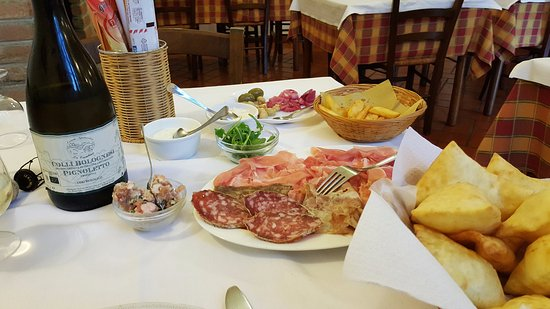 Monteveglio, Italia: crescentine